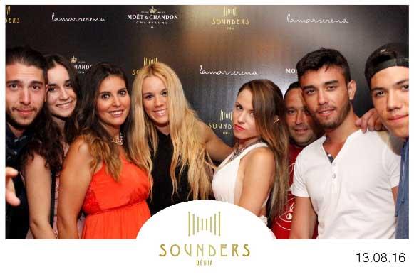 Jovenes Sounders Fotomaton Noche